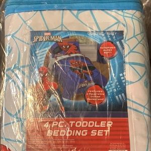 Spider Man Toddler Bedding Set. 4 Piece. New